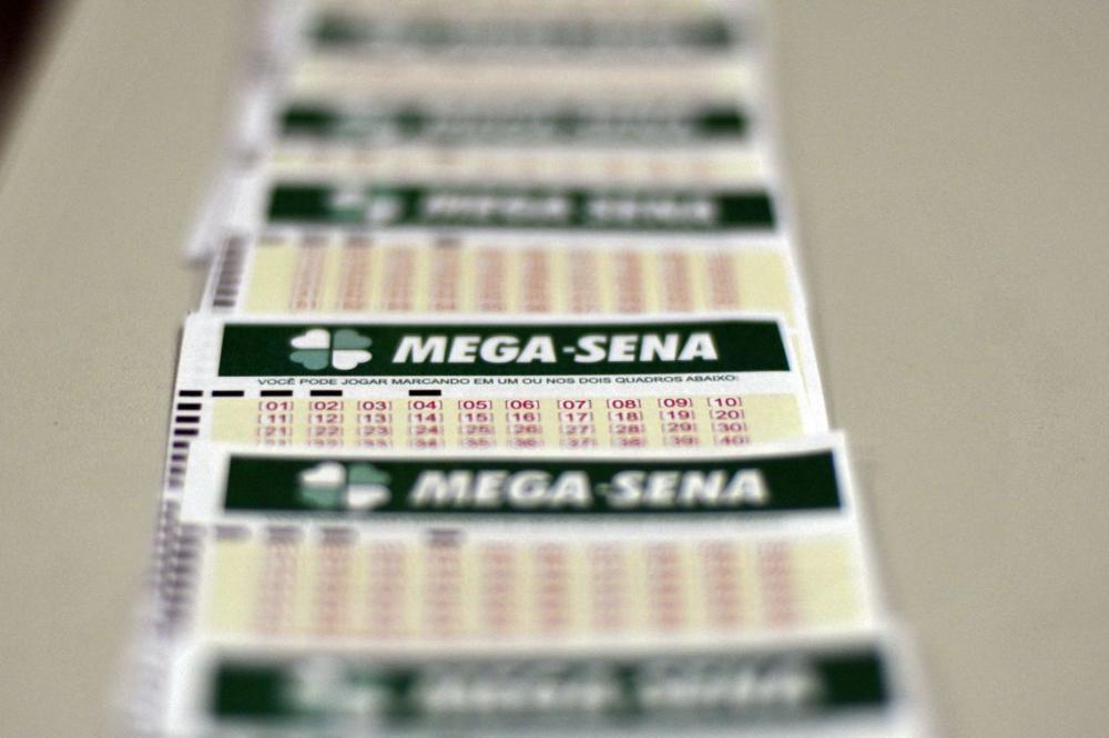 Ninguém acerta os seis números da Mega-Sena e prêmio acumula